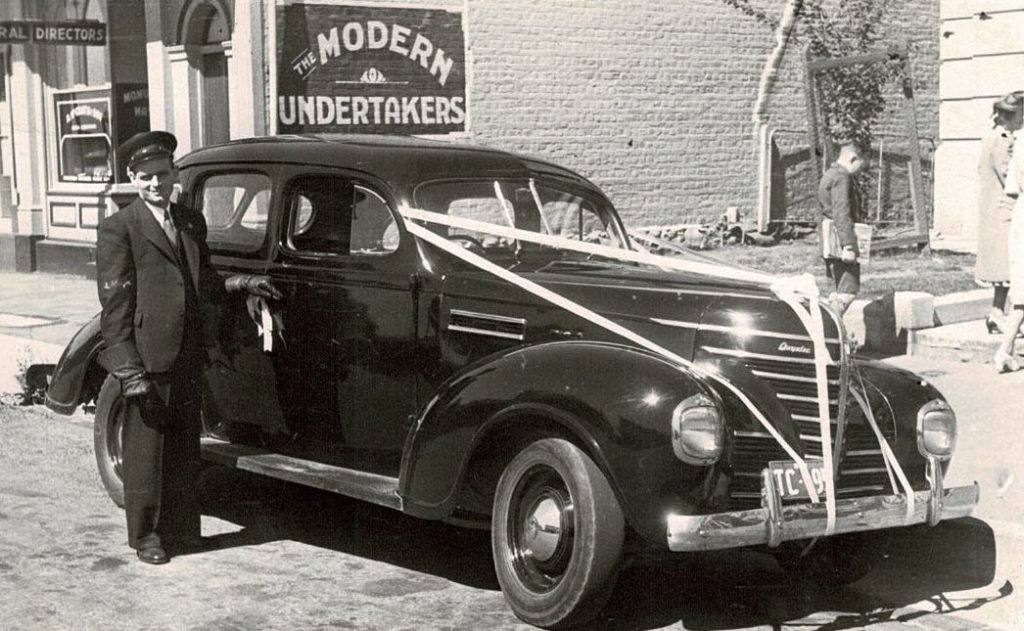 Ted Elliot, Taxi, Orange, NSW, Dec 1945.